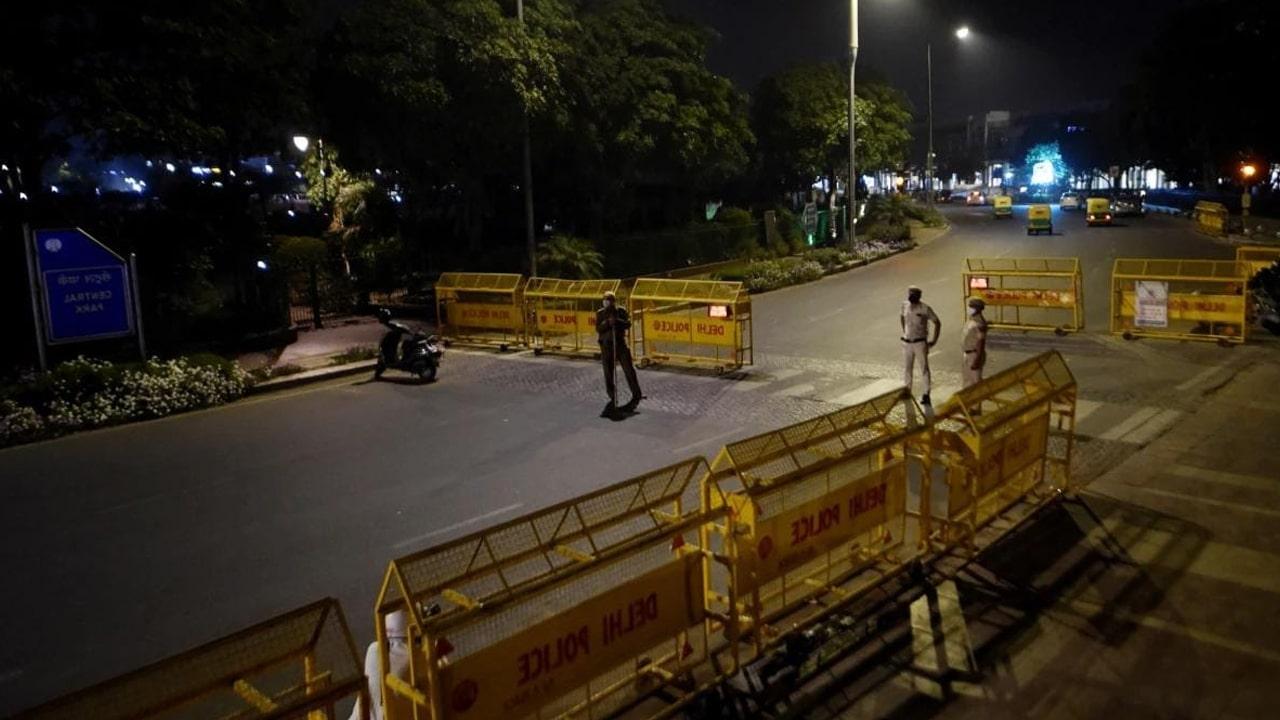 delhi night curfew 2021
